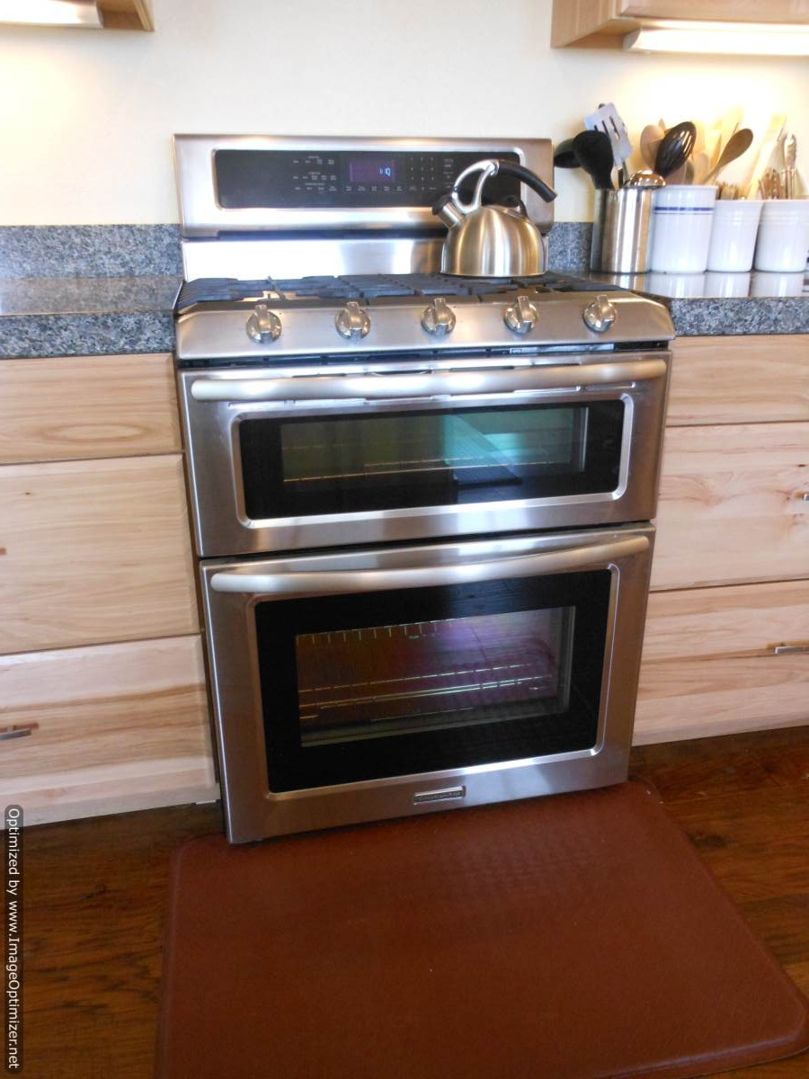 Wall oven under cooktop - Evansdual Fuel
