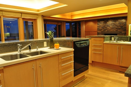 kitchen_at_night_opt